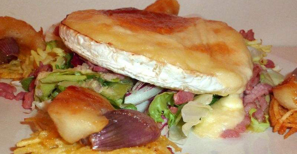 Restaurant Soissons La Bourse Aux Grains : Salade camembert roti